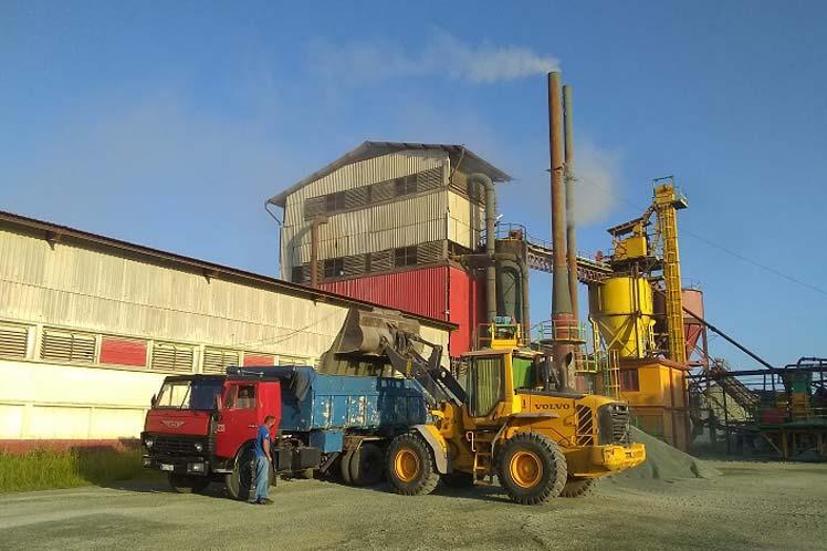 Trabajan por sustituir importaciones en Geominera del centro de Cuba