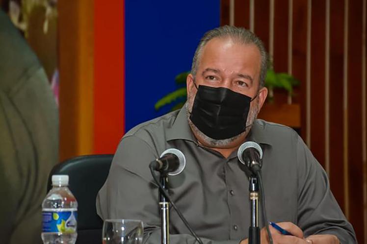 Primer ministro de Cuba exhorta a elevar rendimientos agrícolas